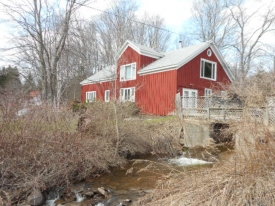 IN THE HEART OF THE CATSKILLS -  RENOVATED ROXBURY BARN