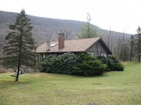 Phoenicia Grand View Chalet - Custom Built Chalet on 2.66 acres