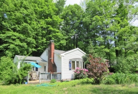 CUTE CATSKILLS COTTAGE - Close to SKI & GOLF