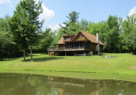 PONDBROOK RANCH LOG HOME - ONLY 2.5 Hrs. from the GWB