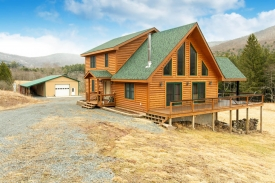 Custom-Built Catskills Mountain Home - Beautiful Custom Built Home