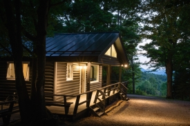 Fully Renovated Modern Cabin - Modern Log-Clad Home!