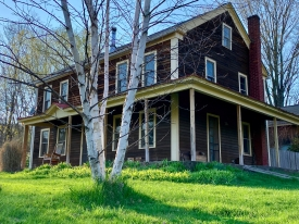 1820' Charming Farmhouse - Charming 1820's farmhouse, Potential 3 bedrooms